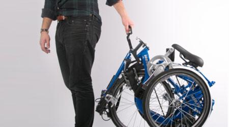 tricycle adulte avec un cadre pliant
