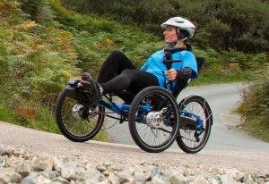 utilisation d'un tricycle couché avec deux roues avant